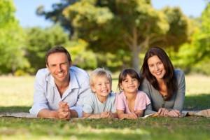 Deus Guia a Família por Caminhos Aprazíveis